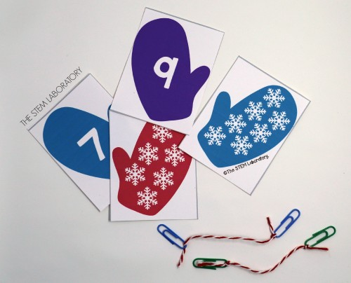 FREE Number Mitten Match Up! What a fun number activity for preschoolers. This would be perfect for a preschool winter unit!