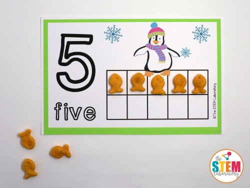 FREE Penguin Counting Mats. Adorable winter activity for preschool and kindergarten!