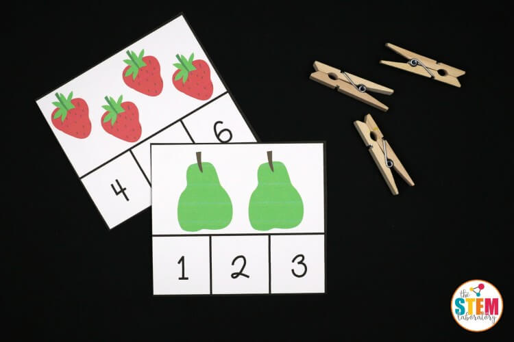 These free Very Hungry Caterpillar clip cards are adorable! They'd be perfect for a preschool or early kindergarten math center.